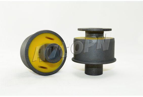 Сайлентблок задний, переднего рычага (04656 012AF) фото 1